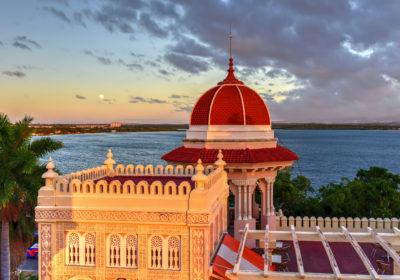 Lesbian cruise to Cuba